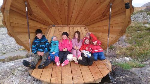 Nytt liv i Barnas Turlag på Værlandet og Bulandet