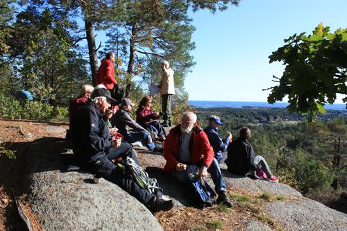 Tur med utsikt, her fra Tysåsen på Fevik.