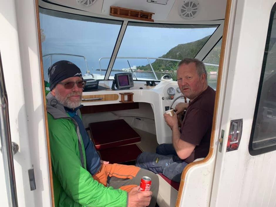 Båtturen gjekk på svartstill fjord.