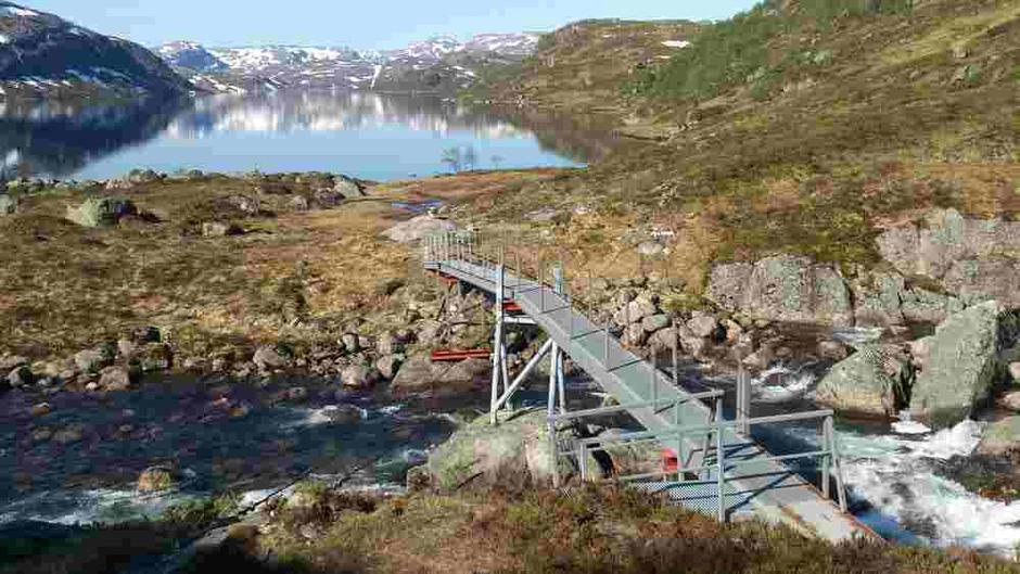 Helårsbro over Gråfolånå og Storånå på vei mot Nilsebu.