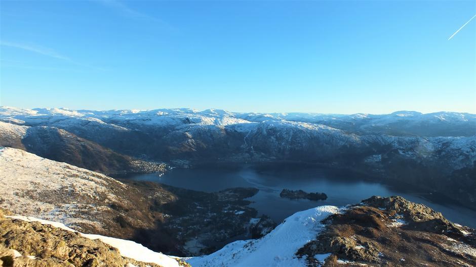 Utsikt frå Bruviknipa 13.desember