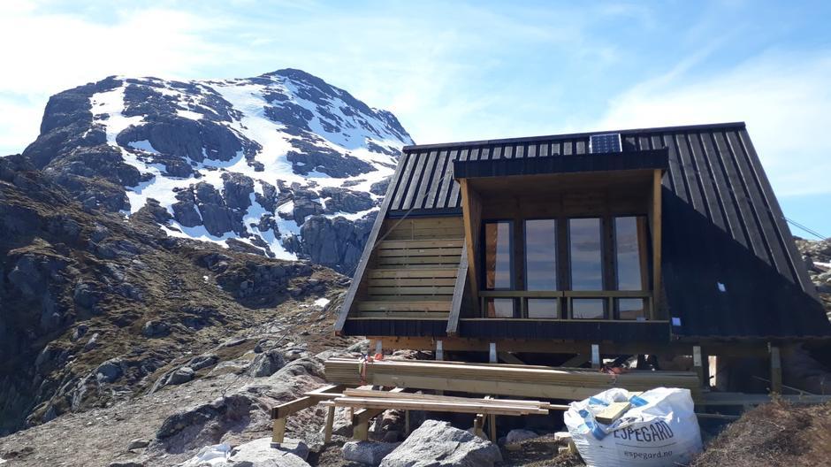 Skaraly, dagsturhytta i tidlegare Gaular kommune, er eitt av måla i TiTur Sunnfjord 2020.