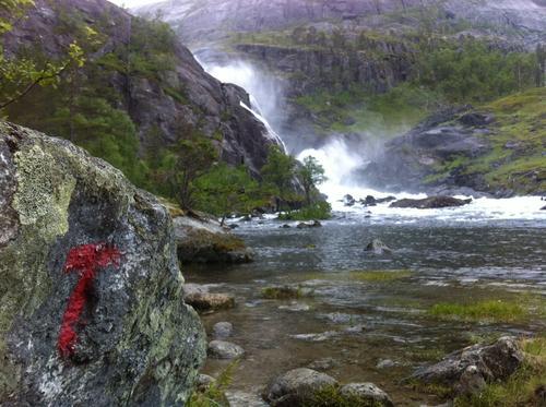 8. august: Husedalen fra Kinsarvik til Stavali