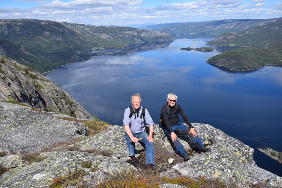 Arve Aarak og Odd Valle på Langfjell.