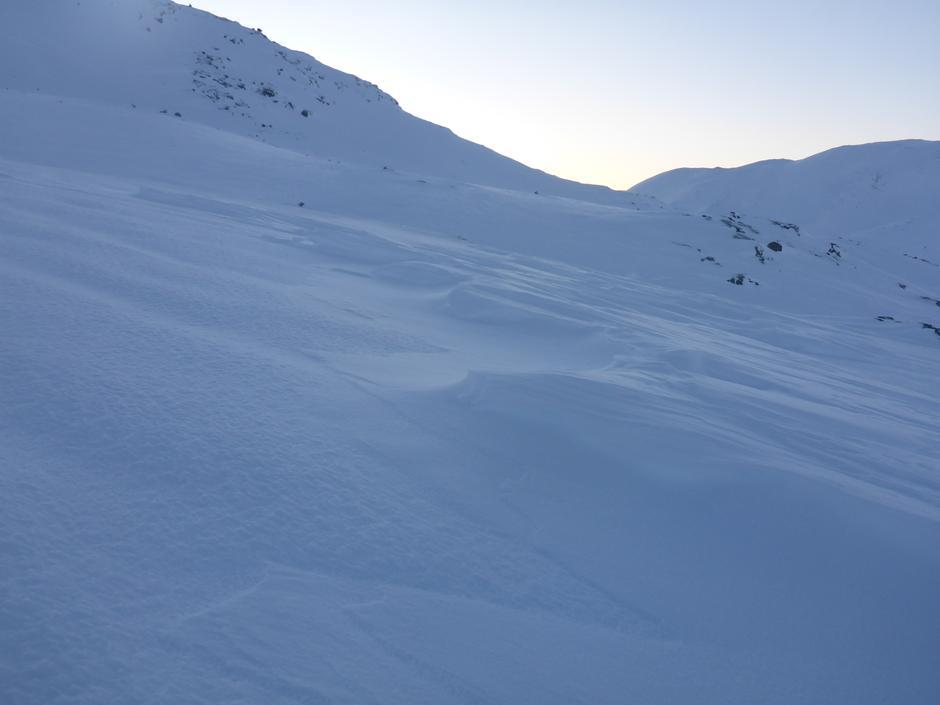 Snø formet av vind