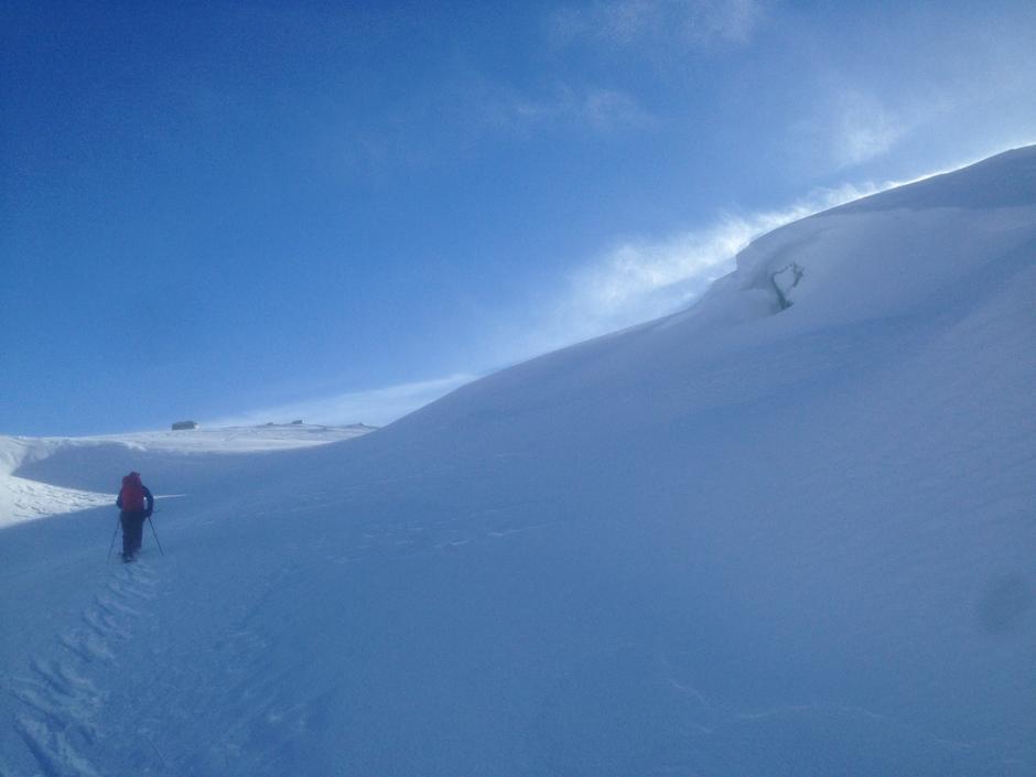Følg med og hold avstand til snøskavler. Her Hunnedalen 19. Mars