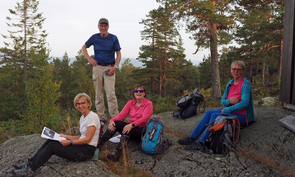 Rast ved den gamle brannvakthytta på Røysås.