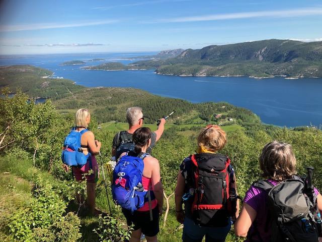 Utsikt mot Imarsundet og KNTs hytte Imarbu på Fjordruta