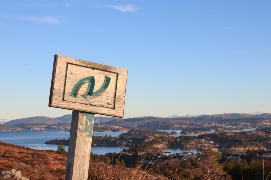 I Øygarden kommune er det fleire turar som er knytta til Nordsjøløypa.