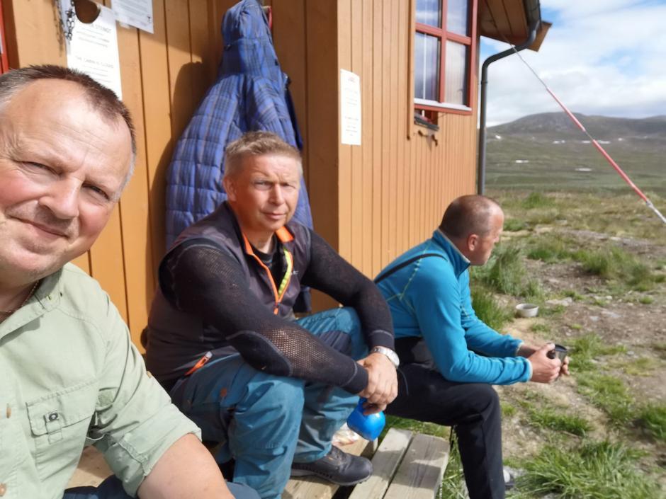 Diverse forefallende på Vuoma juli 2020. Fra høyre Vidar Jensen, Bjørn Nordmo og Ronny B. Jensen.