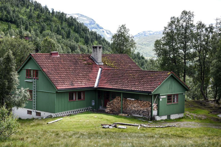 Alexander Grieg Cabin.