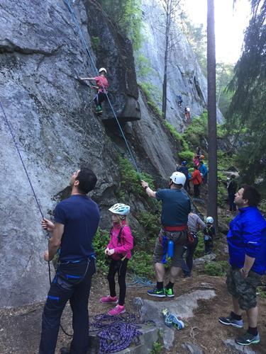 klatring i svartås med barnas turlag
