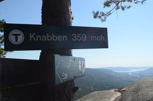 Knabben, en av 7 topper på turen med flott utsikt over Drammenselva