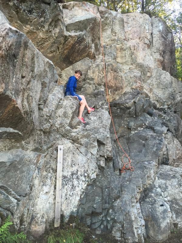 Heidi Sognnes i klatreveggen på Haugum