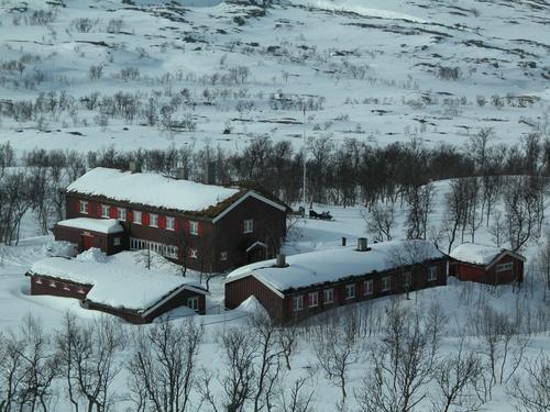 Skispor til Nedalshytta i påska