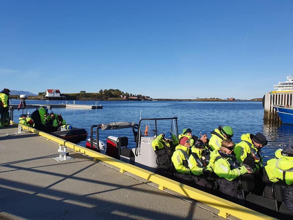 Vi kjørte ribb for å komme oss ut til Søla, en spennende og fin opplevelse i seg selv :-) Tusen takk til båtførerne fra Seløy kystferie