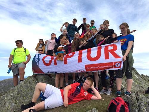 OPPTUR – Opp ein sti og ned ei trapp