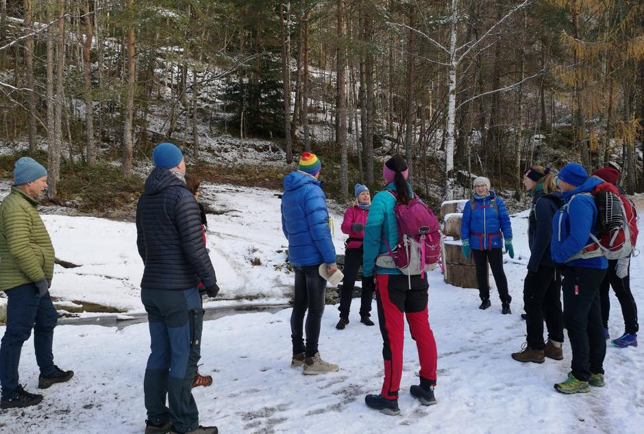 Katrine guidar i Trivselsskogen.