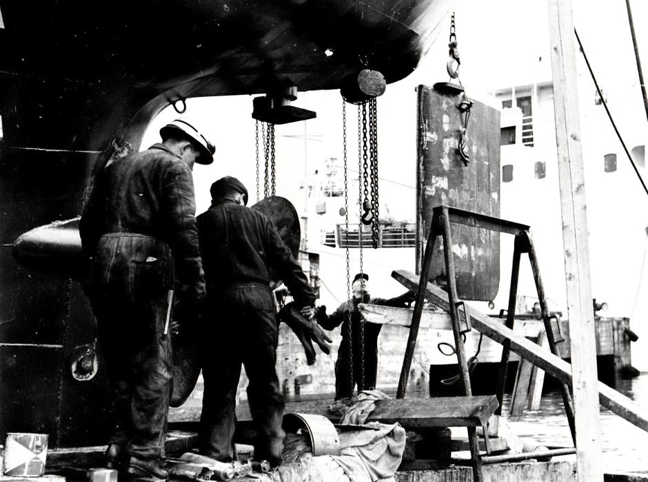 Arbeidsbilde som heter Akseltrekk er fra ca 1960.