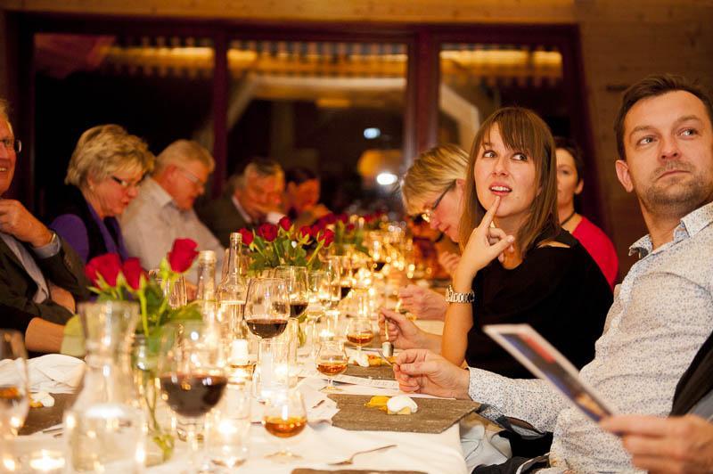 God stemning  under forrige års vin- og viltaftener.
