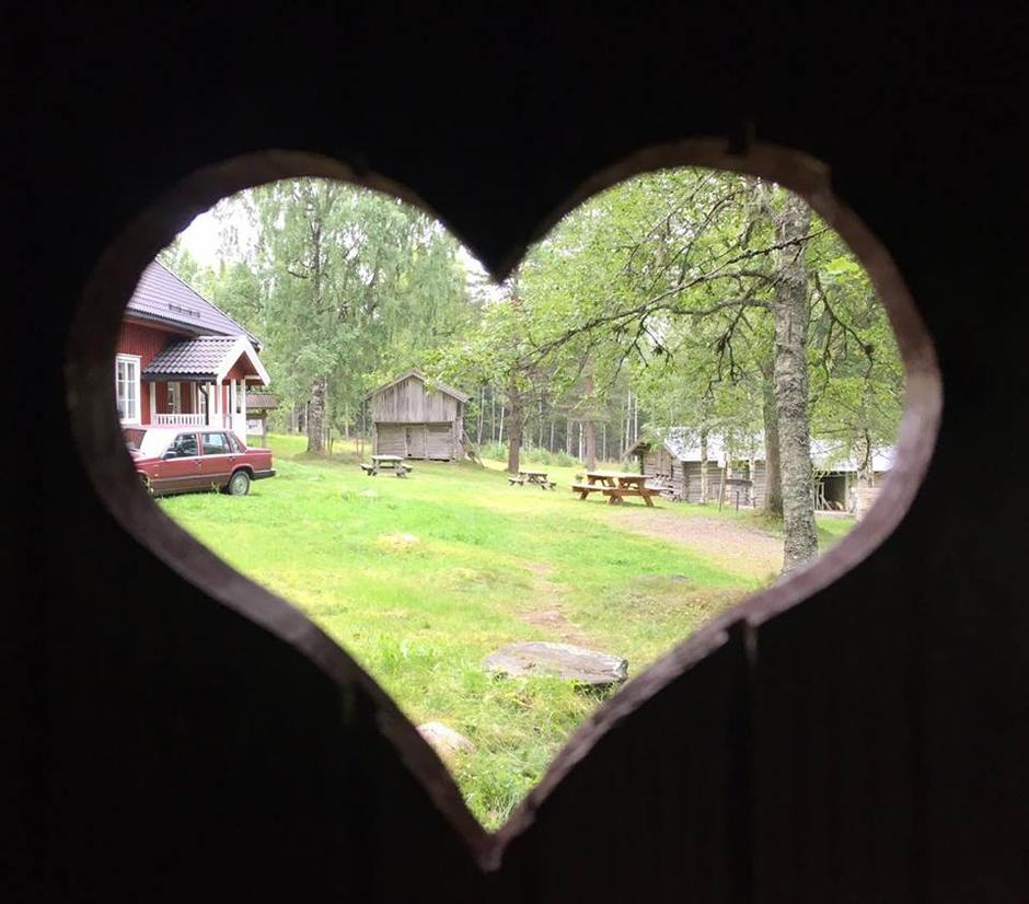 Utsikt fra et populært lite hus på Lebiko.