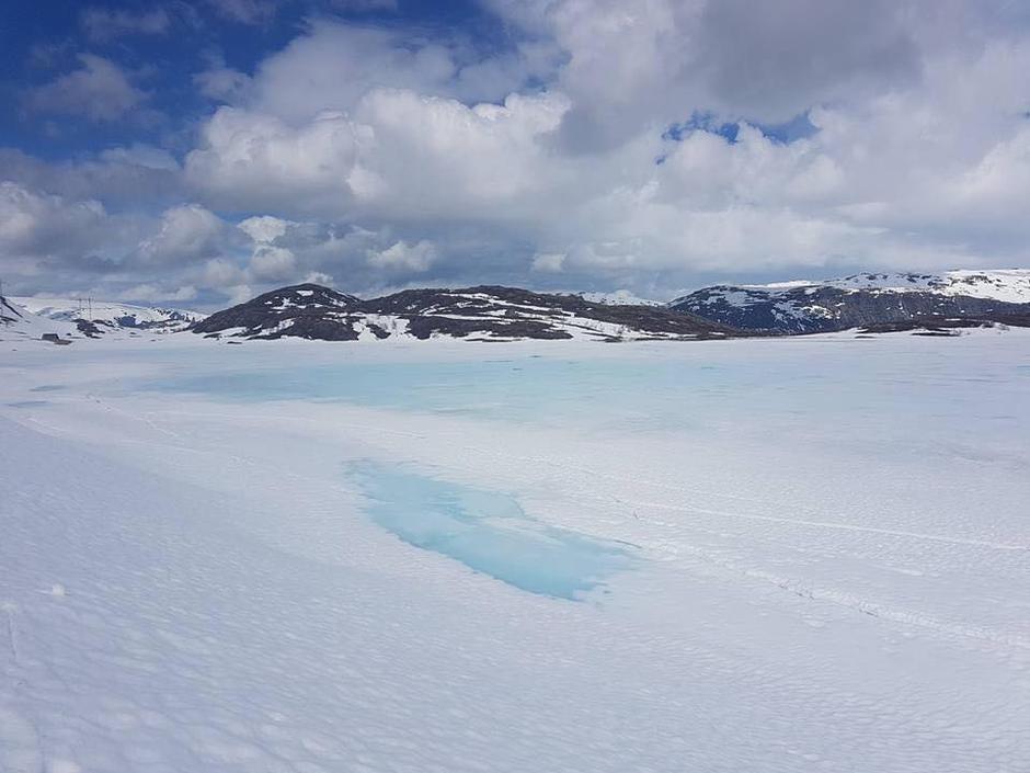 Mosdalsbu 22. mai - Odda/Ullensvang melder fortsatt skiføre, men snøen var hard og fin om man velger å gå uten ski.