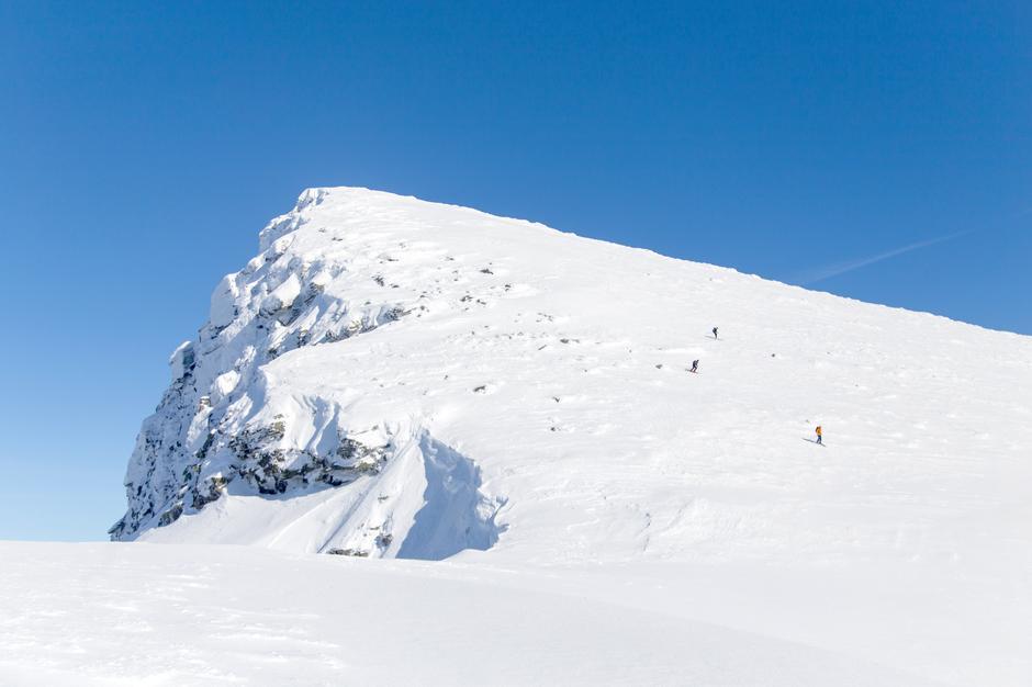 HIMMELSK: Å kunne sette utfor fjellsida er en solid belønning for strevet .