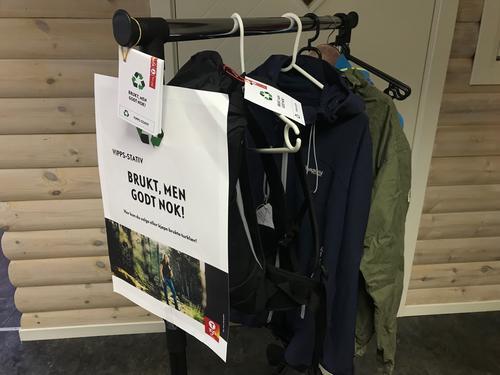 Kjøp og selg brukte friluftsklær i LOTs butikk