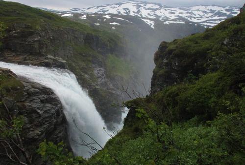 Rjukane - storslagen foss øvst ved Munketrappene.