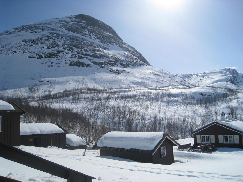 Fine påskeforhold ved Skogadalsbøen.