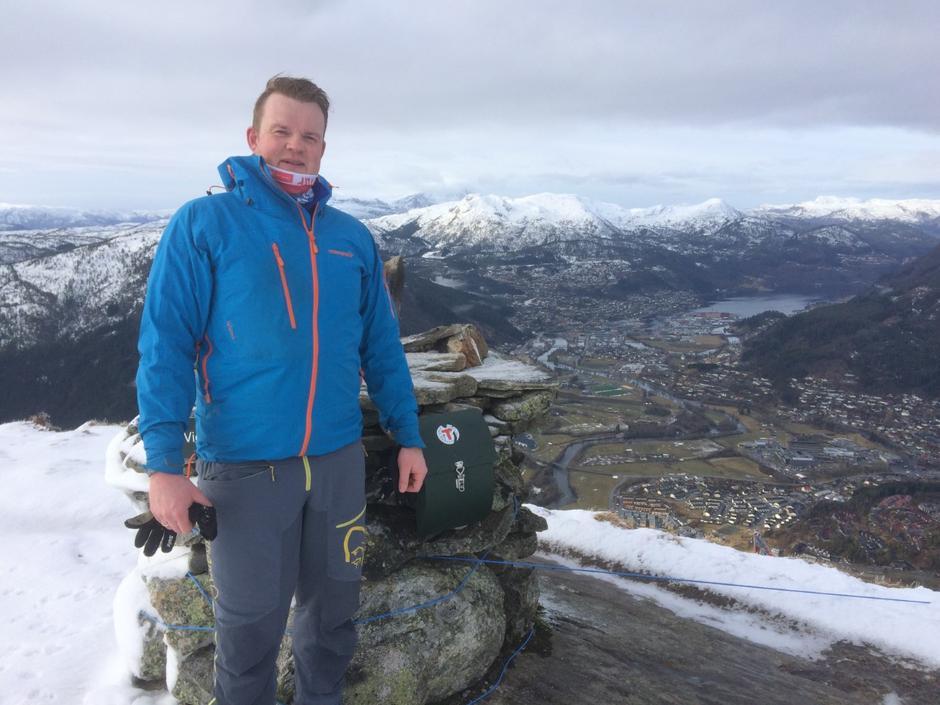 Anders Fossedal til topps på Viefjellet.