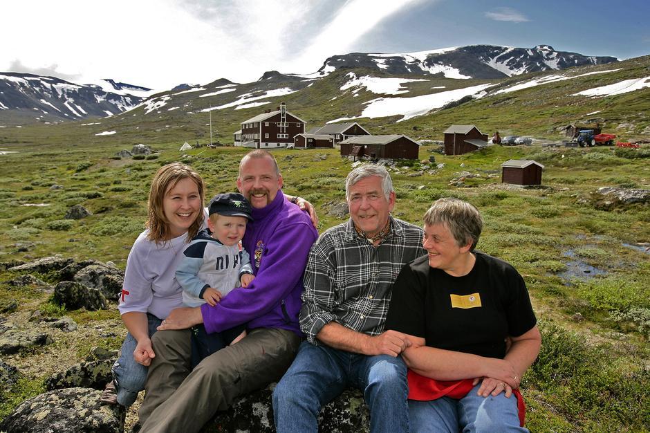 Familien Vole ønsker velkommen til Glitterheim.
