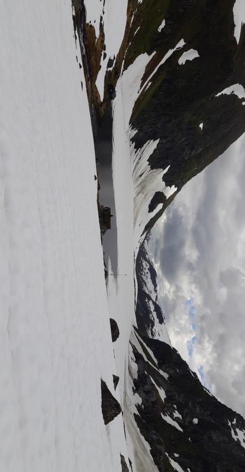 Stegsvatnet sett frå Årdalskupa.