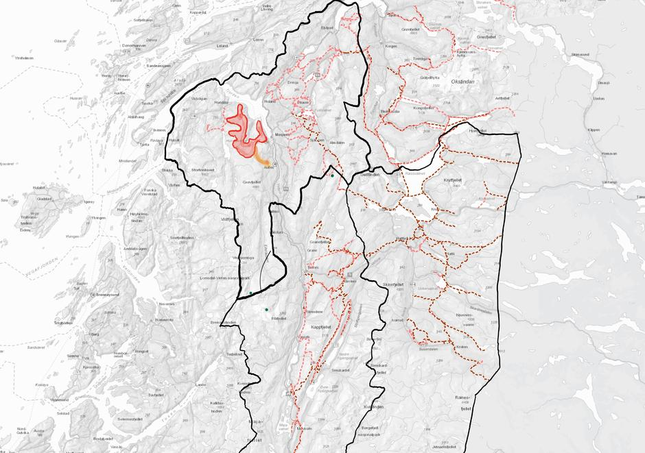 Her er et eksempel på hvordan rekreasjonsløyper for snøskuterkjøring kan gå på kryss og tvers av viktige friluftsområder. Kartet dekker kommunene Grane, Hattfjelldal og Vefsn (svarte streker).De mørkerøde er eksisterende snøskuterløyper for rekreasjonskjøring. Lyserøde er foreslåtte nye løyper. Foreløpig har Grane kommune  vedtatt disse.