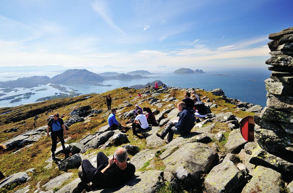 Øyane Over er eit av høgdepunkta på turprogrammet til Flora Turlag.