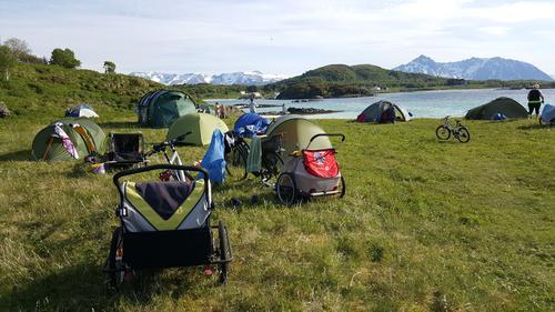 FInt å slå opp telt på Øya!