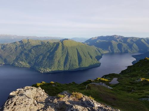 Utsikt mot Hananipa.