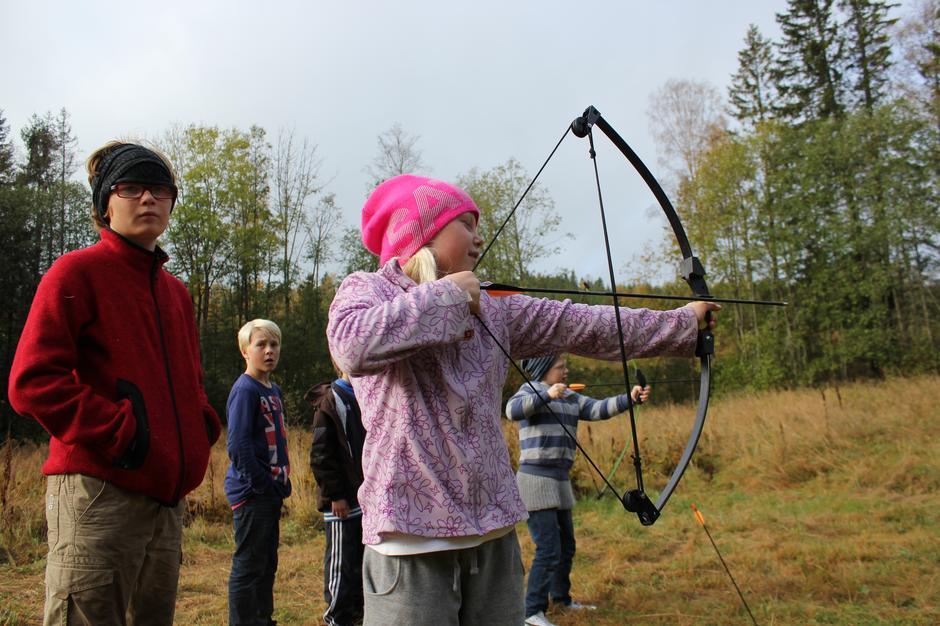 Det er mange aktiviteter å velge mellom på høstferiecamp på Sæteren gård i Asker.