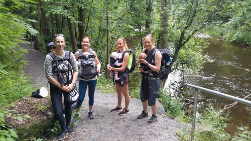 Spreke mammaer på tur langs Lysakerelva juli 2016