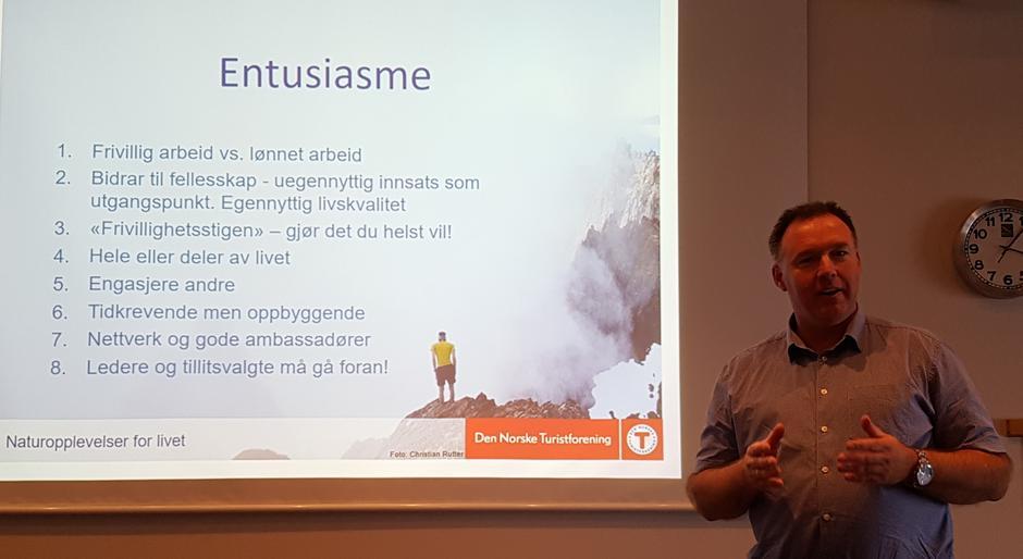 Nestleiar DNT, Børge Brundtland, engasjerte og motiverte i sitt innlegg.