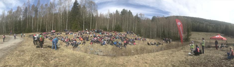 Panorama av alle elevene