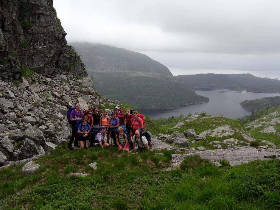 Illestigsskaret med Blådalsvatnet og Austefjorden i bakgrunnen (Masfjorden).