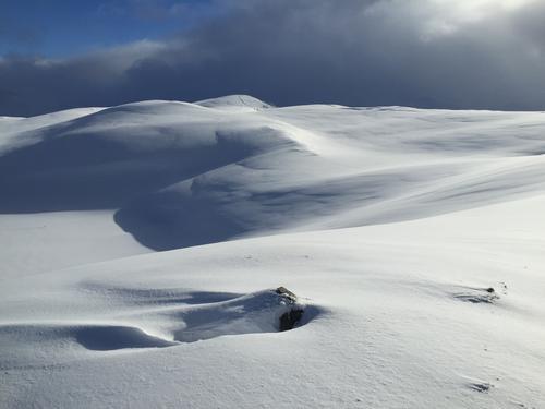 Utsikt frå Djupvikenipa mot Nordheia.