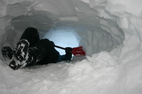 Snøhuletur på Finse med ungdomsgruppa