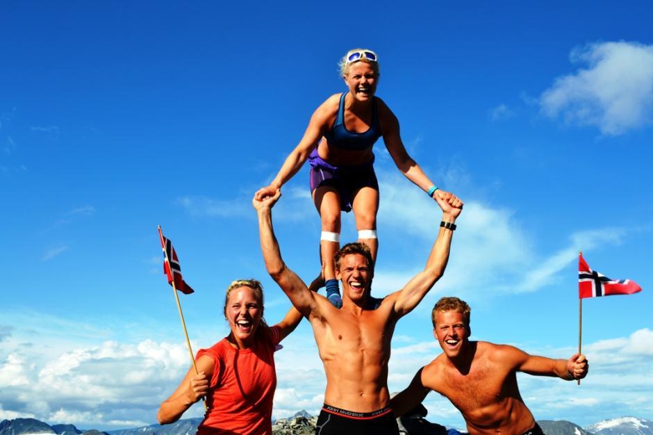 Turglede med fantastiske venner på toppen av Skardalstinden, 2100 moh!