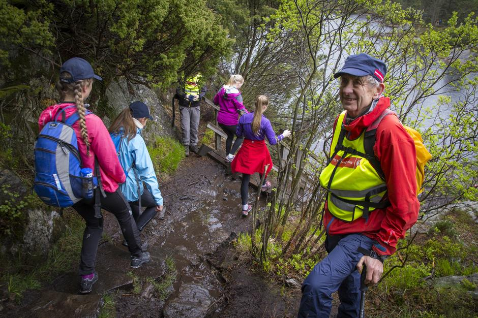 Æresmedlem Johannes Øvreås er med som frivillig.