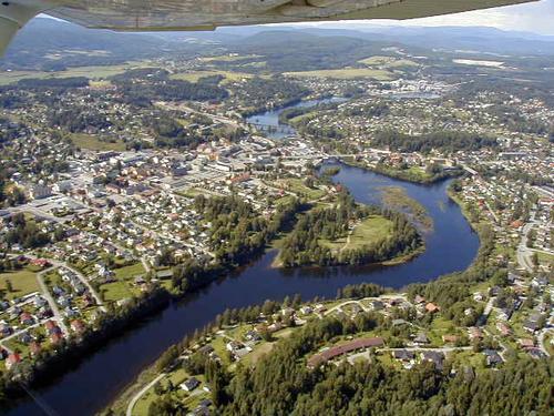 Flybilde over Hønefoss.