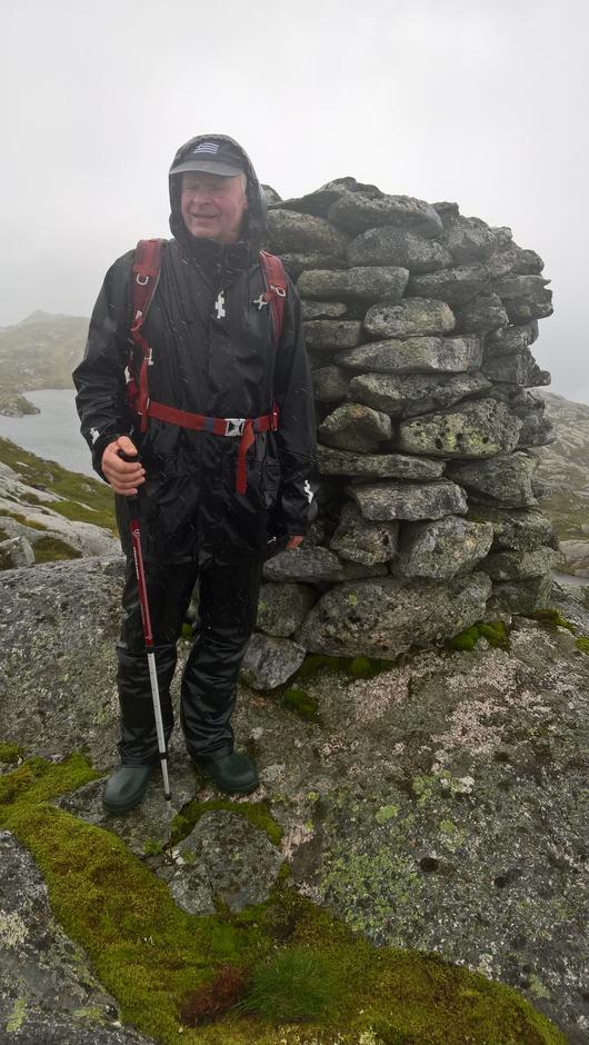 Ved varden på Blåfjellet, 823 moh med kjentmann for turen.