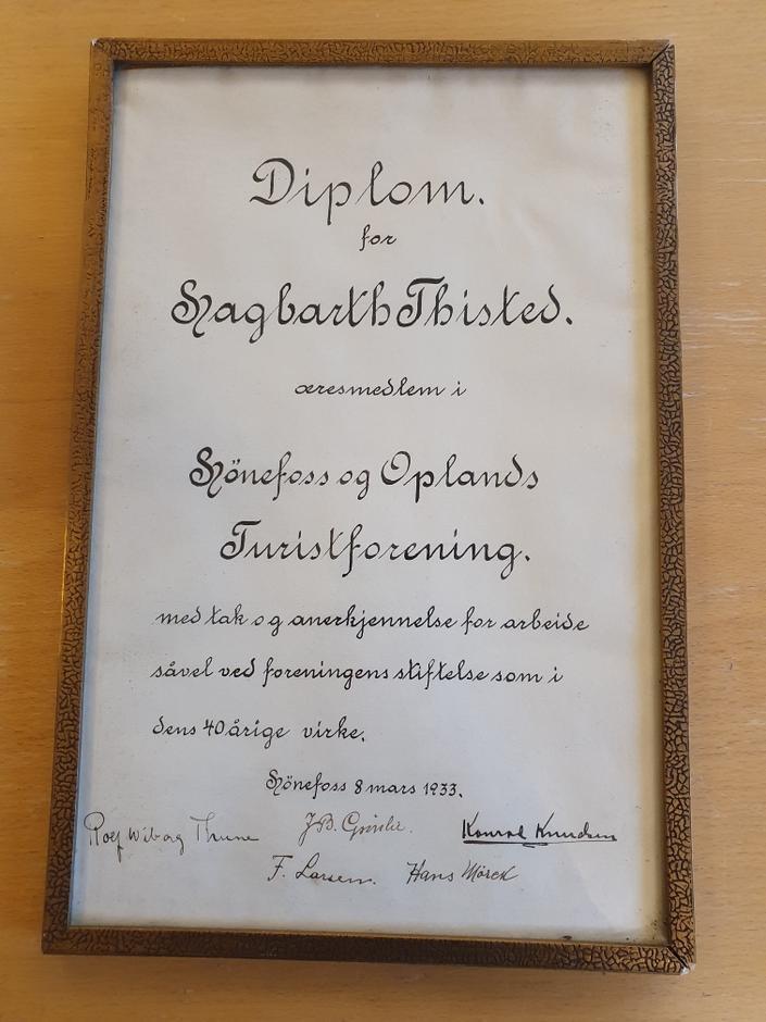 Diplomet som Hagbarth Thisted fikk i 1933.