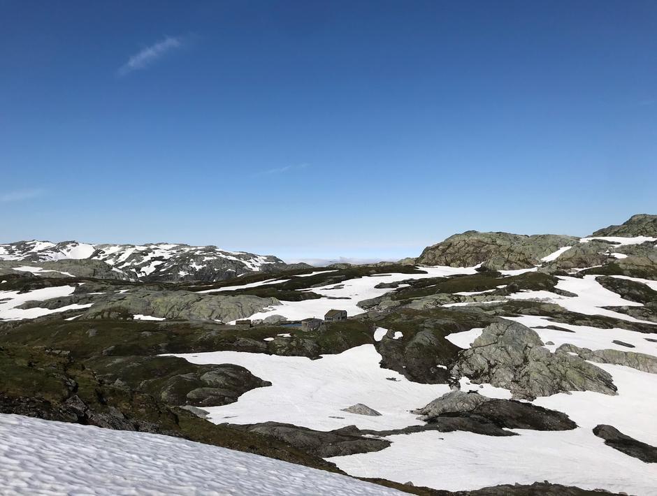 Tirsdag 29.6: Breidablik sett fra øst og oven. På vei til Glynt (1253 moh) og Skrott (1320 moh).